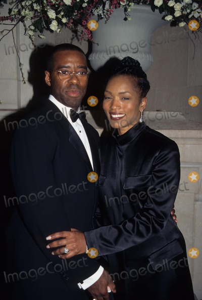 Courtney B Vance Photo - Angela Bassett with Courtney B Vance Cartier Gala at the Met 1997 K8226sm Photo by Sonia Moskowitz-Globe Photos Inc
