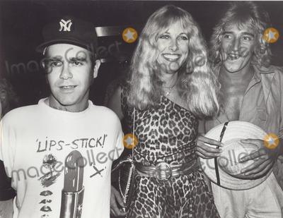 Alana Hamilton Photo - Rod Stewart with Elton John and Alana Hamilton Supplied by Globe Photos Inc