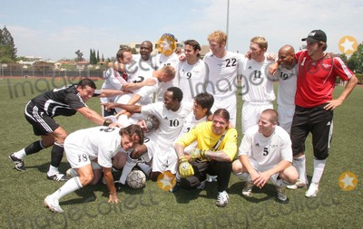 Alexi Lalas Photo - I12093CHWSOCCER FOR SURVIVORS CELEBRITY SOCCER MATCH HOSTED BY THE HOLLYWOOD UNITED FOOTBALL CLUB   BEVERLY HILLS HIGH SCHOOL BEVERLY HILLS CA  07-22-07 HOLLYWOOD UNITED FOOTBALL CLUB CLUB - GLOBAL TEAM - ALEXI LALAS BRANDON ROUTH JIMMY JEAN LOUIS ETC  WITH TAMAR HASAN PHOTO CLINTON H WALLACE-PHOTOMUNDO-GLOBE PHOTOS INC