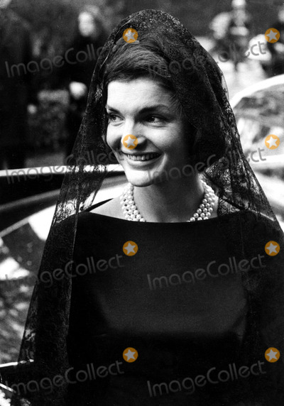 Jacqueline Kennedy Onassis Photo - Jacqueline Kennedy Onassis Papal Visit in Rome Globe Photos Inc Jacquelinekennedyonassisobit