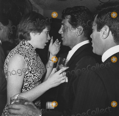 Dean Martin Photo - Shirley Maclaine with Dean Martin and Tony Curtis at oceans Ii premieresupplied by Globe Photos Inc