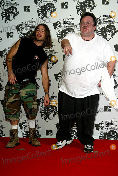Chris Pontius Photo - Chris Pontius Lacey Preston (Jackass) Mtv Europe Awards Western Harbour Leith Edinburgh Scotland 1162003 Photo Byalec MichaelGlobe Photos Inc 2003