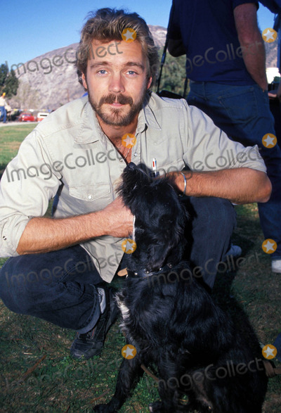 John Schneider Photo - John Schneider and Snudge 11-1989 Photo by Michelson-Globe Photos