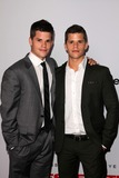 Charlie Carver Photo 2