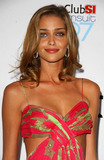 Ana Beatriz Barros Photo 2