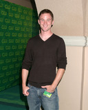 Aaron Ashmore Photo 2
