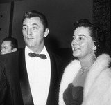 Robert Mitchum Photo 2