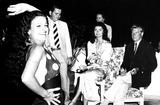 Jacqueline Kennedy Onassis Photo - Jacqueline Kennedy Onassis 27369 Globe Photos Inc Jacquelinekennedyonassisobit