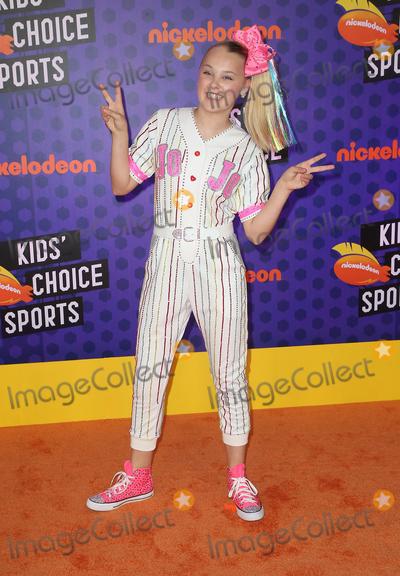 JoJo Siwa Photo - 19 July 2018 - Santa Monica California - Jojo Siwa Nickelodeon Kids Choice Sports Awards 2018 held at Barker Hangar Photo Credit Faye SadouAdMedia