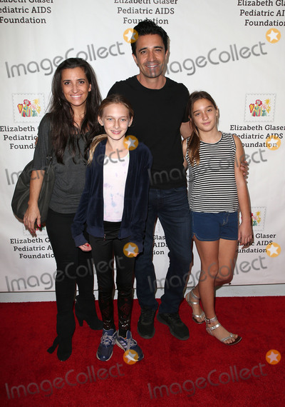 Gilles Marini Photo - 29 October 2017 - Culver City California - Carole Marini Gilles Marini Juliana Marini Elizabeth Glaser Pediatric AIDS Foundations 28th Annual A Time For Heroes Family Festival helming at Smashbox Studios Photo Credit F SadouAdMedia
