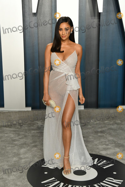 Shay Mitchel Photo - 09 February 2020 - Los Angeles California - Shay Mitchell 2020 Vanity Fair Oscar Party following the 92nd Academy Awards held at the Wallis Annenberg Center for the Performing Arts Photo Credit Birdie ThompsonAdMedia