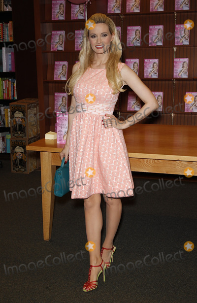 Hole Photo - 01 July 2015 - Las Vegas NV - Holly Madison  Holly Madison Signs her book Down The Rabbit Hole  Curious Adventures and Cautionary Tales of a Former Playboy Bunny at Barnes and Noble on RainbowPhoto Credit mjtAdMedia