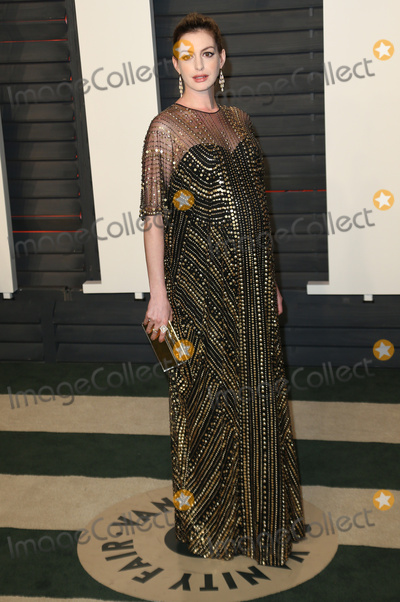 Ann Hathaway Photo - 28 February 2016 - Beverly Hills California - Anne Hathaway 2016 Vanity Fair Oscar Party hosted by Graydon Carter following the 88th Academy Awards held at the Wallis Annenberg Center for the Performing Arts Photo Credit Byron PurvisAdMedia