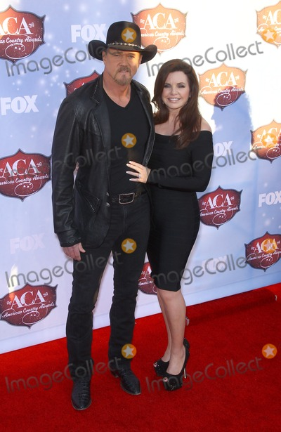 Trace Adkins Photo - 10 December 2013 - Las Vegas Nevada - Trace Adkins Rhonda Adkins  2013 American Country Awards Arrivals at Mandalay Bay Resort Hotel and Casino Photo Credit mjtAdMedia