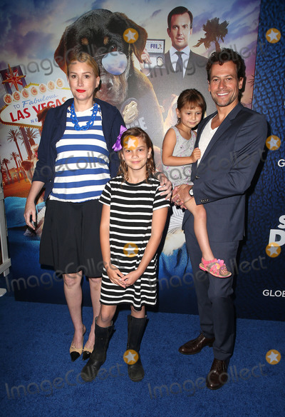 Alice Evans Photo - 05 May 2018 - Hollywood California - Alice Evans Ella Gruffudd Elsie Gruffudd and Ioan Gruffudd Show Dogs Los Angeles Premiere held at TCL Chinese 6 Theatre Photo Credit F SadouAdMedia