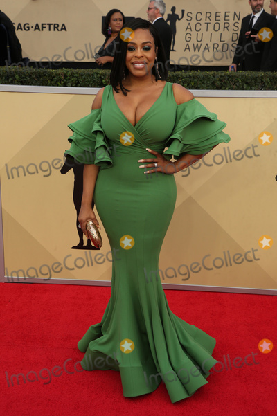Niecy Nash Photo - 21 January 2018 - Los Angeles California - Niecy Nash 24th Annual Screen Actors Guild Awards held at The Shrine Auditorium Photo Credit RetnaAdMedia
