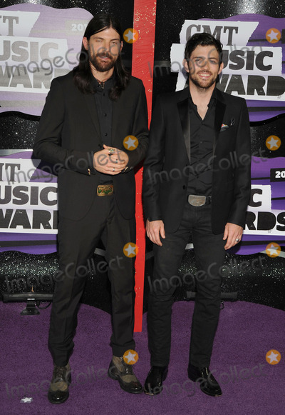 Scott Avett Photo - 05 June 2013 - Nashville Tennessee - Scott Avett (L) and Seth Avett of The Avett Brothers 2013 CMT Music Awards held at Bridgestone Arena Photo Credit Ryan PavlovAdMedia