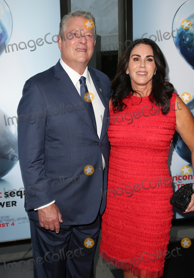 Al Gore Photo - 25 July 2017 - Hollywood California - Al Gore and Elizabeth Keadle An Inconvenient Sequel Truth To Power Los Angeles Premiere held at ArcLight Hollywood Photo Credit F SadouAdMedia