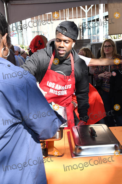 Kevin Hart Photo - 21 November 2018 - Los Angeles California - Kevin Hart 2018 LA Mission Thanksgiving held at LA Mission Photo Credit Birdie ThompsonAdMedia