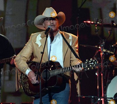 Alan Jackson Photo - 08 November 2017 - Nashville Tennessee - Alan Jackson 51st Annual CMA Awards Country Musics Biggest Night held at Bridgestone Arena Photo Credit Laura FarrAdMedia
