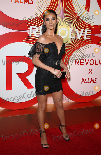 Shay Mitchell Photo - 09 November 2018 - Las Vegas NV -  Shay Mitchell  REVOLVE hosts 2nd Annual REVOLVEawards at Palms Casino Resort in Las Vegas Photo Credit MJTAdMedia