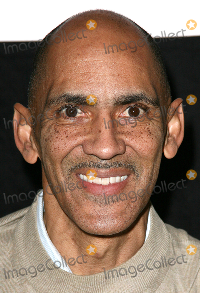 Tony Dungy Photo - 17 January 2011 - Ridgewood New Jersey  Tony Dungy  Tony and Lauren Dungy signs copies of their new book You Can Be A Friend at Book-Ends Photo Paul ZimmermanAdMedia