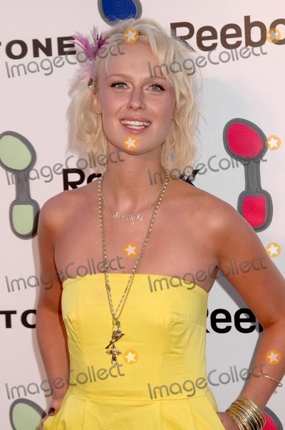 CariDee English Photo - Caridee Englishat the Reebok Easytone Footwear Celebration Private Location Beverly Hills CA 06-23-09