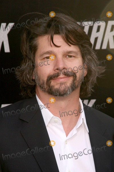 Ronald D Moore Photo - Ronald D Moore at the Los Angeles Premiere of Star Trek Graumans Chinese Theatre Hollywood CA 04-30-09