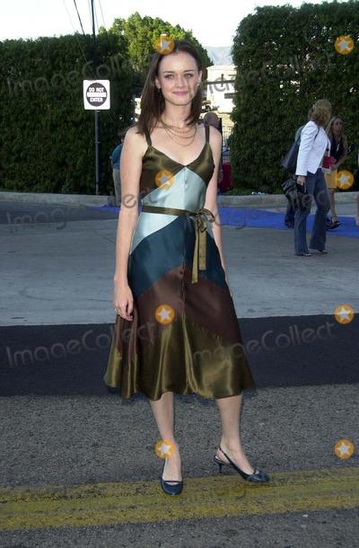 Alexis Bledel Photo - Alexis Bledel at the Teen Choice Awards 2003 Universal Amphitheater Universal City CA 08-02-03