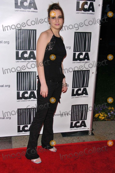 Ashlyn Dixon Photo - Ashlyn Dixonat the Los Angeles Premiere of HBOs Dealing Dogs Paramount Theatre Los Angeles CA 03-26-06