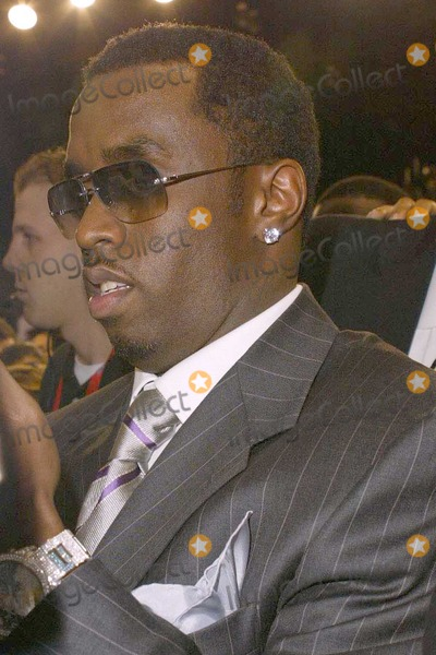 Diddy Combs Photo - Sean P Diddy Combs at the 2004 NBA All-Star Celebrity Basketball Game in the Los Angeles Convention Center Los Angeles CA 02-13-04