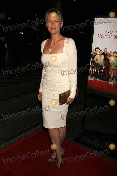 Jamie Lee Curtis Photo - Jamie Lee Curtisat the Los Angeles Premiere of For Your Consideration Directors Guild of America Los Angeles CA 11-13-06