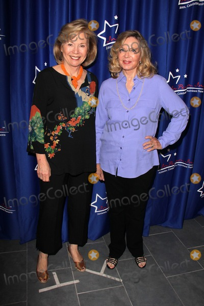 Kathryn Leigh Scott Photo - Kathryn Leigh Scott Lara Parkerat a Dark Shadows mini-reunion and autograph appearance In Person Inc Hollywood CA 08-17-13