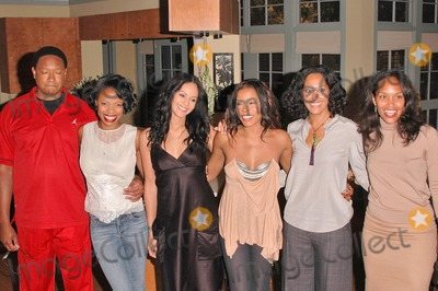 Reggie Hayes Photo - Reggie Hayes Jill Marie Jones Persia White Golden Brooks Tracee Ellis Ross and CreatorProducer Mara Brock Akil at the celebration in honor of 100 Episodes of Girlfriends at Stage 23 Paramount Pictures Hollywood CA 10-06-04