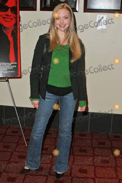 Amanda Seyfried Photo - Amanda Seyfried at the Los Angeles Premiere of Imaginary Heroes at the ArcLight Theaters Hollywood CA 12-02-04