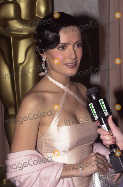 Salma Hayek Photo -  Salma Hayek hosts the Scientific and Technical Academy Awards Beverly Hills 03-04-00