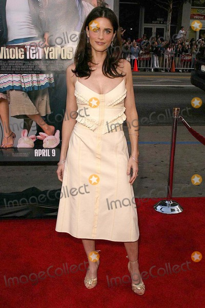 Amanda Peete Photo - Amanda Peet at Warner Brothers The Whole Ten Yards Premiere in Graumans Chinese Theatre Hollywood CA 04-07-04