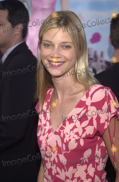 Amy Smart Photo -  Amy Smart at the premiere of MGMs Legally Blonde at Manns Village Theater Westwood 06-26-01