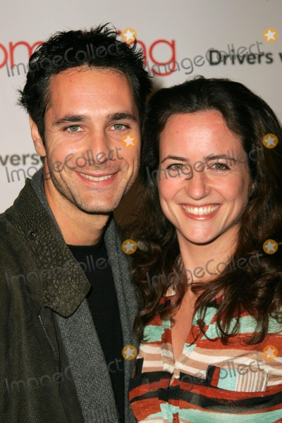 Raoul Bova Photo - Raoul Bova and wife Chiaraat the premiere of Something New Cinerama Dome Hollywood CA 01-24-06