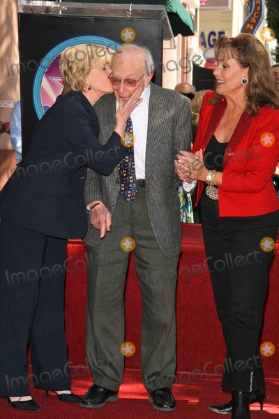 Dawn Wells Photo - Florence Henderson with Sherwood Schwartz and Dawn Wells at the Hollywood Walk of Fame Ceremony Honoring Sherwood Schwartz Hollywood Boulevard Hollywood CA 03-07-08