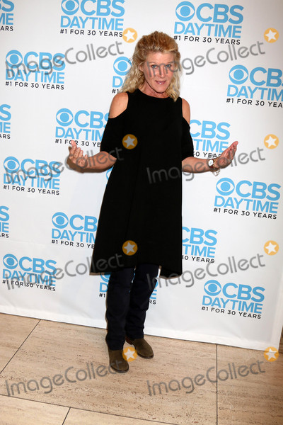 Alley Mills Photo - Alley Millsat The Bold and the Beautiful Celebrates CBS 1 for 30 Years Paley Center For Media Beverly Hills CA 11-03-16