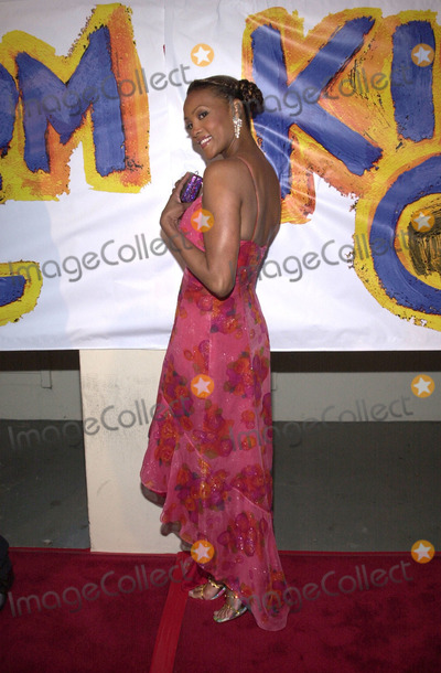 Vivica A Fox Photo -  Vivica A Fox at the special screening of Fox Searchlights Kingdom Come at the Writers Guild Theater Beverly Hills 04-04-01