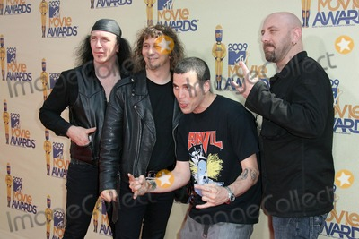 Anvil Photo - Steve-O and Anvilat the 2009 MTV Movie Awards Arrivals Gibson Amphitheatre Universal City CA 05-31-09