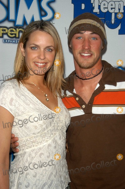Arianne Zucker Photo - Kyle Louder and Arianne Zucker at Teen Peoples 6th Annual 25 Hottest Stars under 25 Party Lucky Strike Lanes Hollywood CA 05-05-03