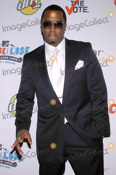 Sean Diddy Combs Photo - Sean P Diddy Combs at the Rock The Vote Awards Hollywood Palladium Hollywood CA 02-07-04