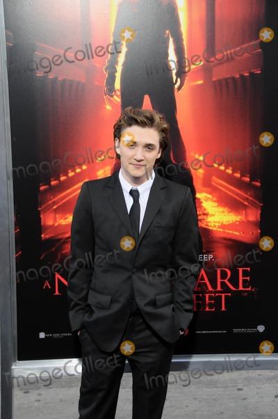 Kyle Gallner Photo - Kyle Gallnerat the Nightmare On Elm Street World Premiere Chinese Theater Hollywood CA 04-27-10