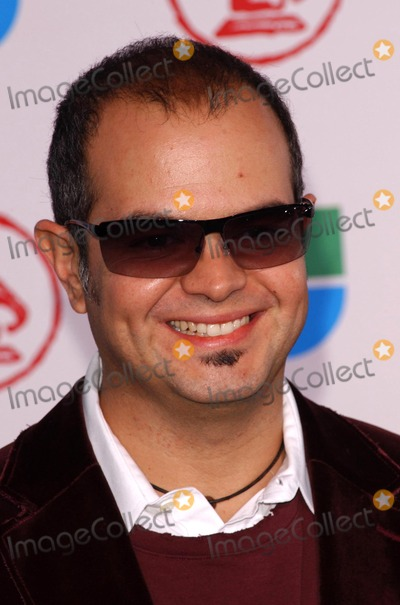 Aleks Syntek Photo - Aleks Syntekat the 6th Annual Latin Grammy Awards Shrine Auditorium Los Angeles CA 11-03-05