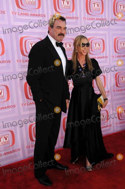 Jillie Mack Photo - Tom Selleck and Jillie Mackat the 2009 TV Land Awards Gibson Amphitheatre Universal City CA 04-19-09
