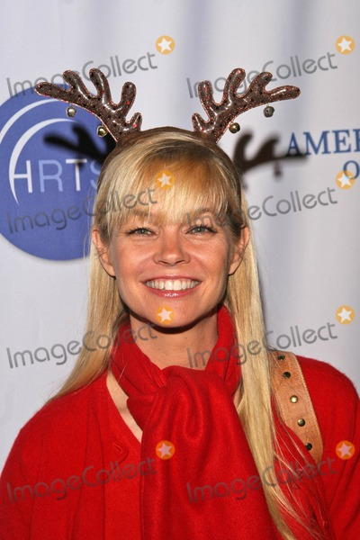 Julie McCullough Photo - Julie McCullough at the 5th Annual Young Hollywood Holiday Party Vanguard Hollywood CA 12-05-07