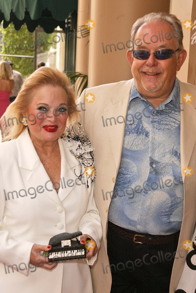 Carol Connors Photo - Carol Connors and Robin Leach at the 1st Annual Golden Needle Awards at the Regent Beverly Wilshire Hotel Beverly Hills CA 06-05-04